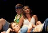 Borkóstoló és színházi előadás