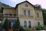Vár Hotel - Castle Hotel