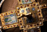 A Szent Korona és koronázási kincseink nyomában - filmvetítés a Duna moziban